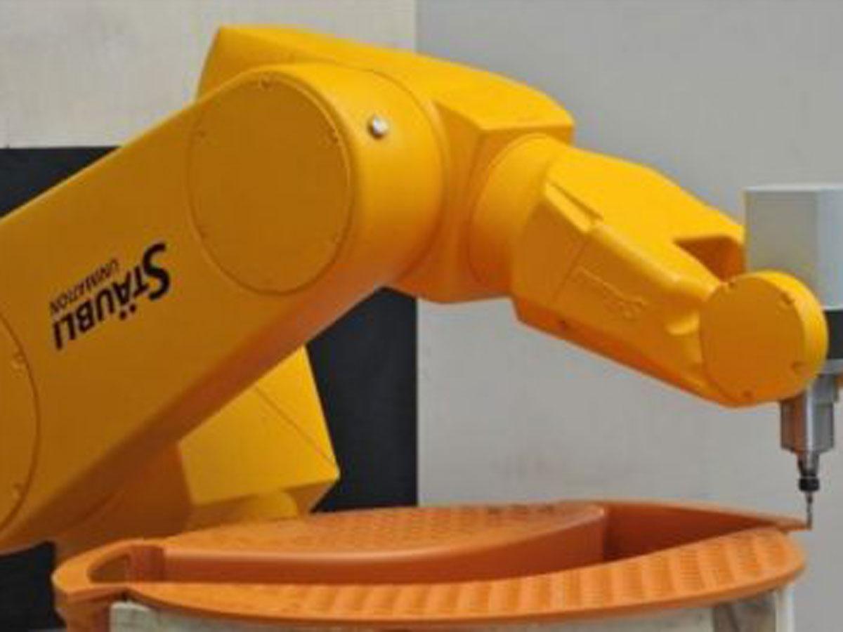 Fräsroboter ersetzt Sondermaschine