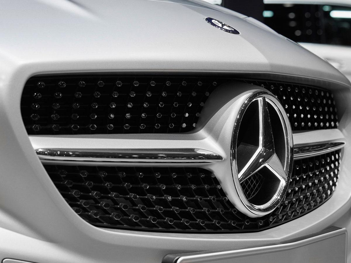 Daimler zeichnet seine zehn besten Lieferanten 2015 aus