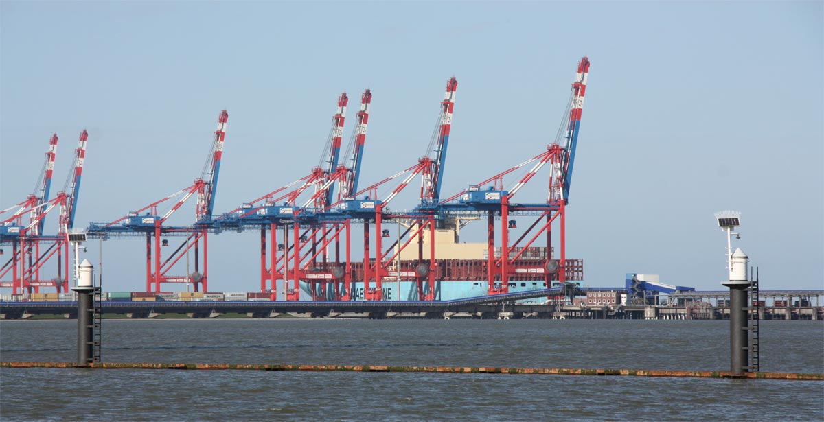 Neues Logistik-Zentrum von VW und Audi im Jade-Weser-Port