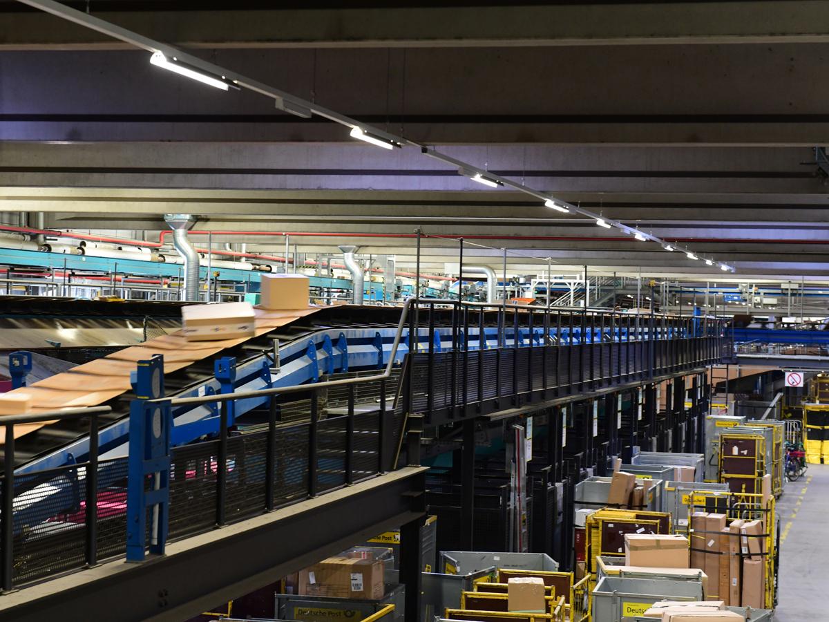 DHL führt neues Tracking für Rollbehälter ein