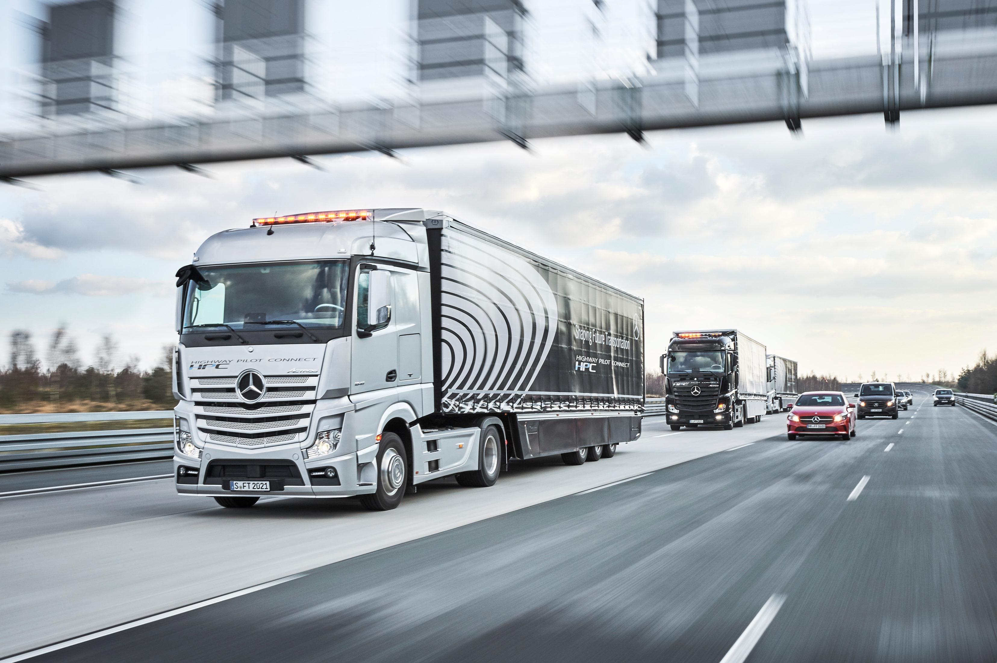Autonomes Fahren im Einkauf: Selbstlenkende Lkw senken Kosten in der Lieferkette