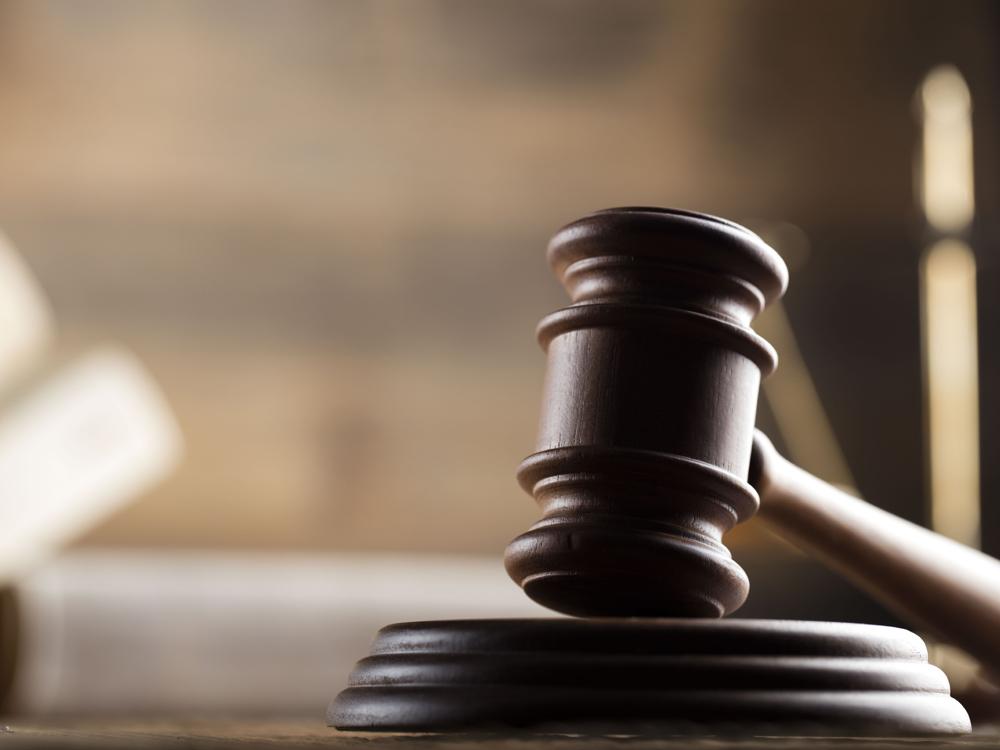 Urteil: Abwerben im Büro verboten – auch am Privat-Handy