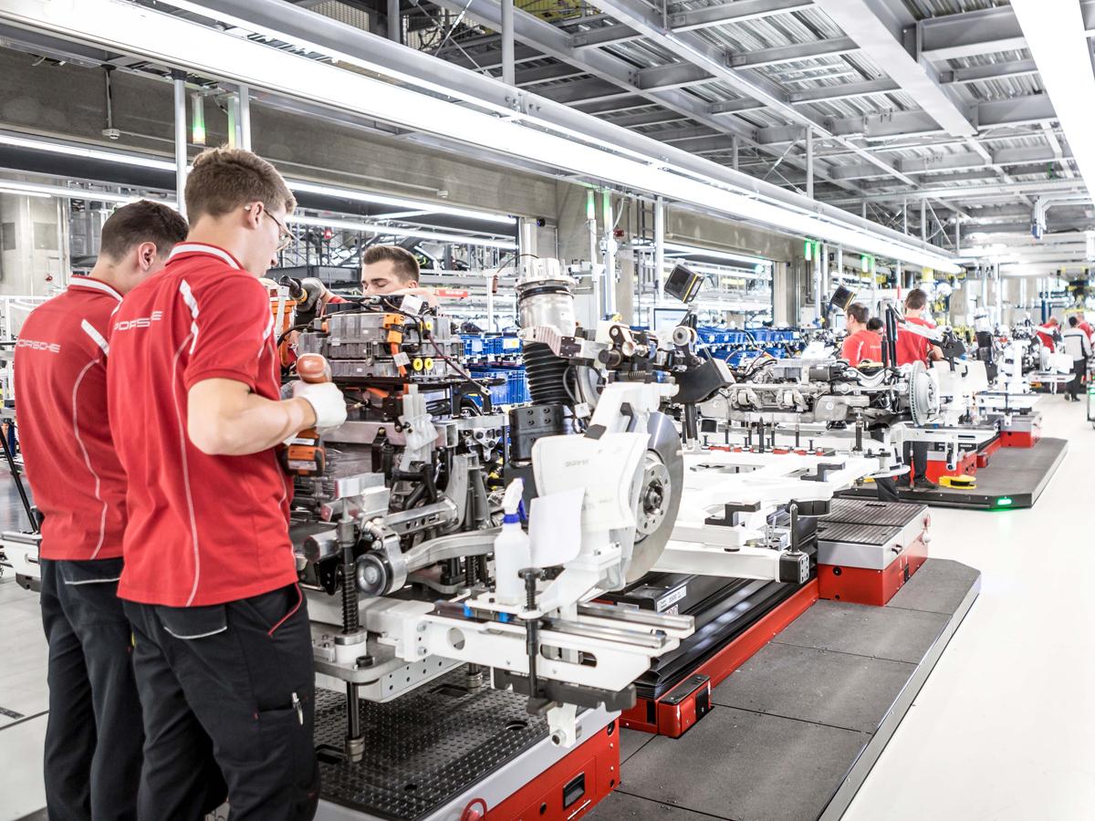 Wie sich Werkzeugmaschinenbauer auf E-Mobilität einstellen