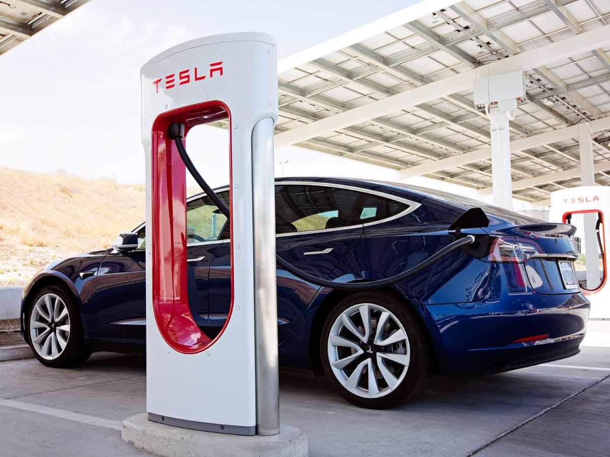 Tesla kauft Nickel in großem Stil bei BHP ein