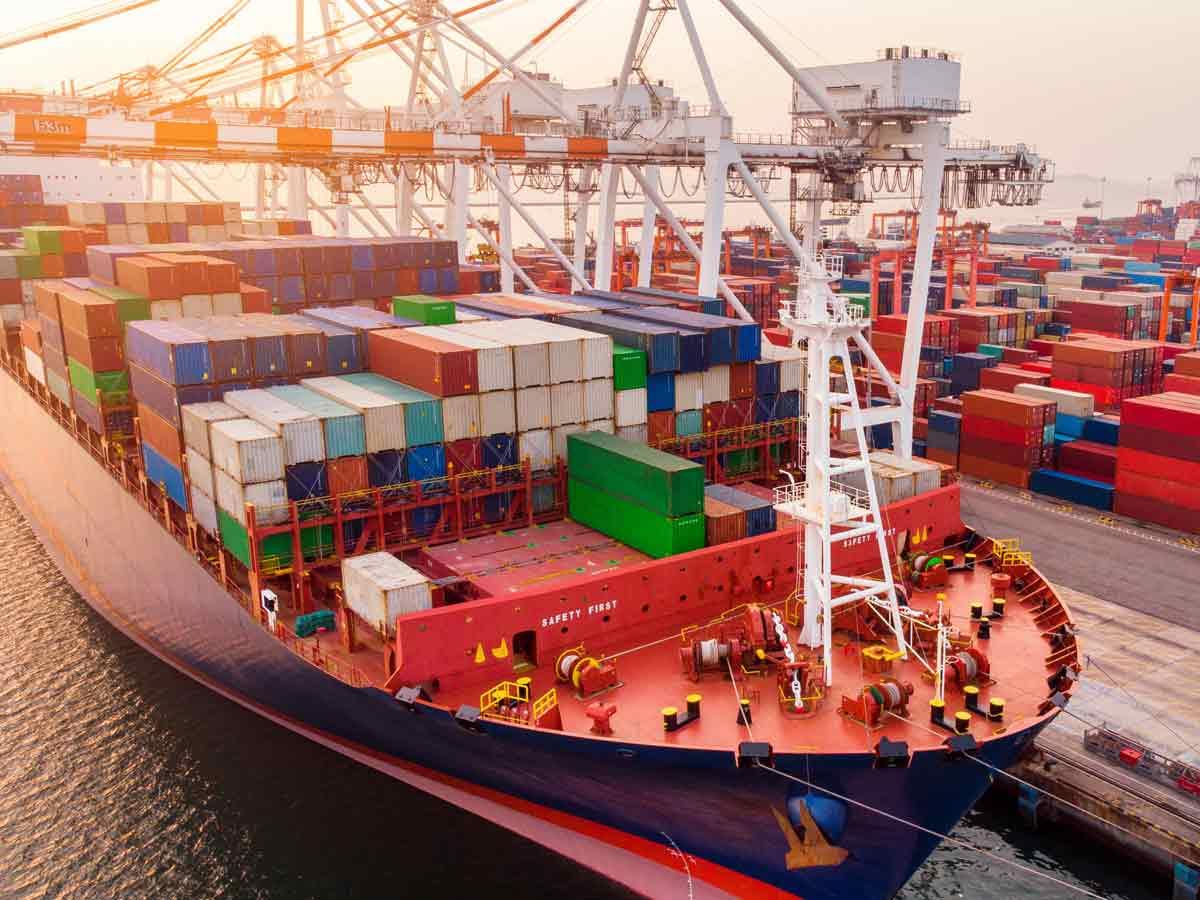 China schließt seinen zweitgrößten Hafen in Ningbo